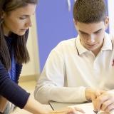 profesora y alumno British College La Cañada