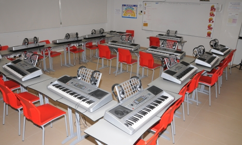 tecladopiano_britishcollegelacanyada
